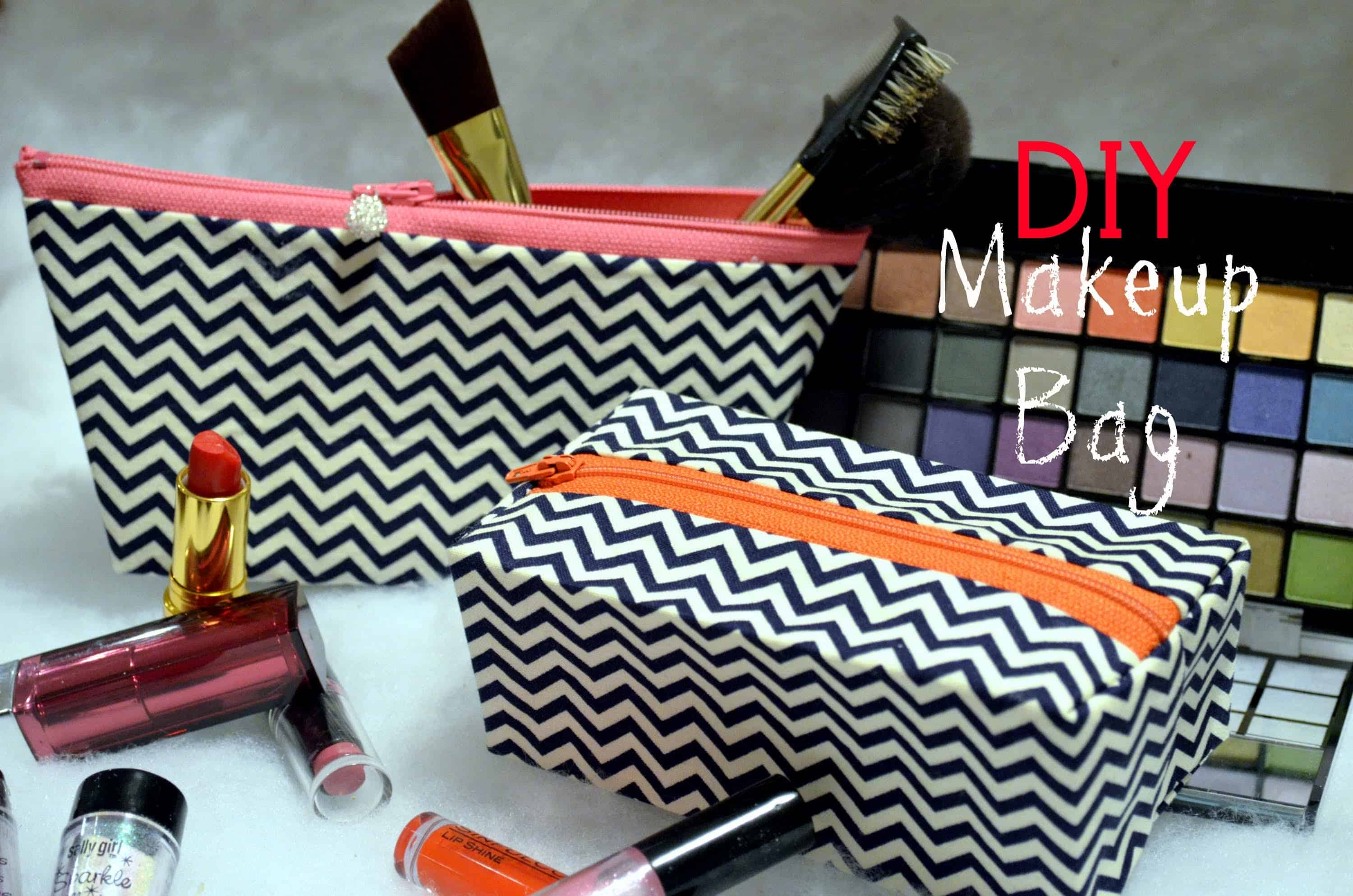 Matching makeup bag set with contrasting zippers