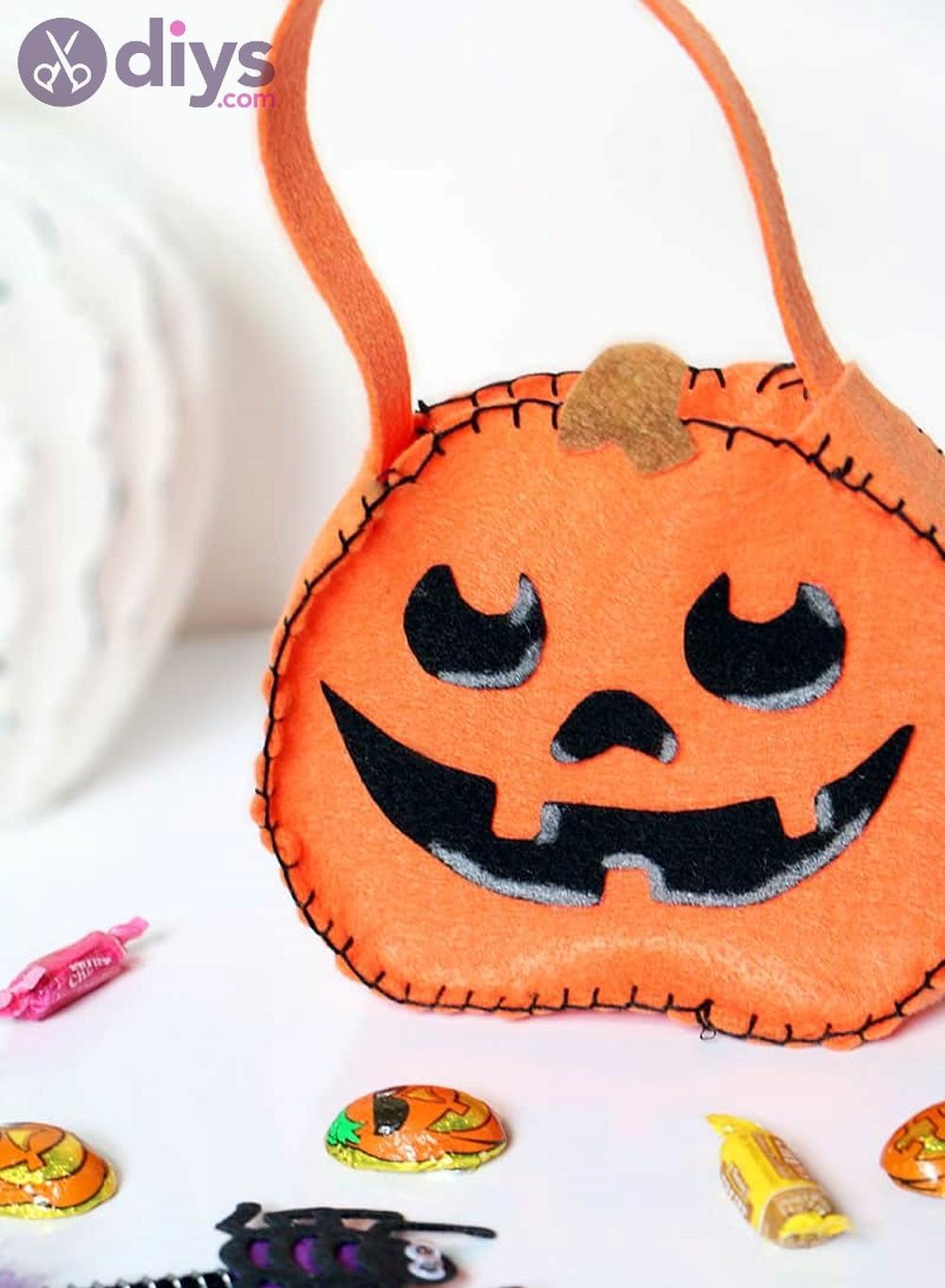 Mini felt pumpkin tote halloween crafts for preschoolers
