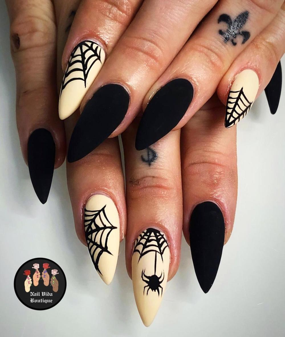 Nail spider web decoration