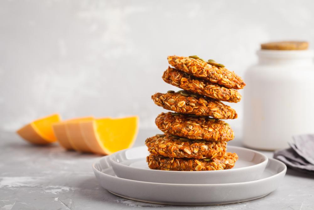 Oatmeal pumpkin cookies healthy halloween treats for kids