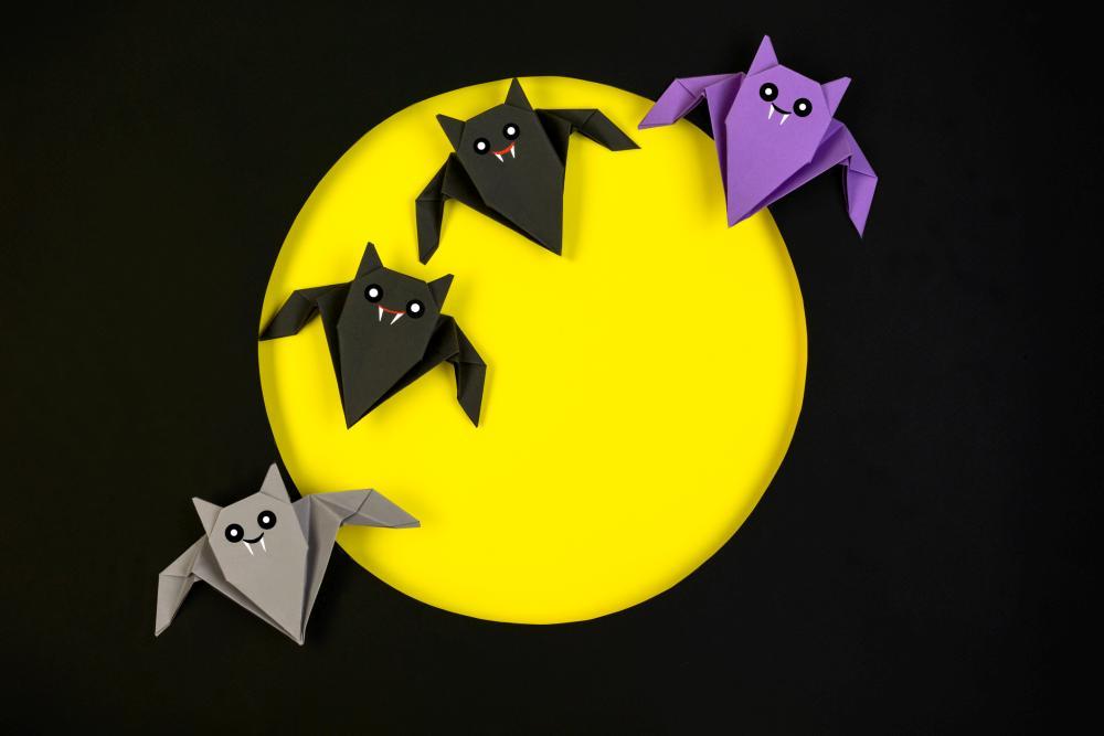 Origami bat decor halloween crafts