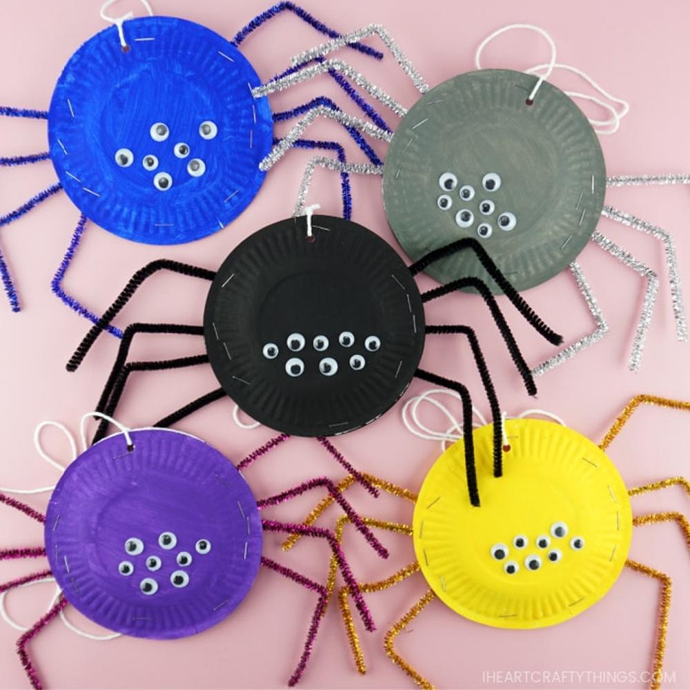 Paper plate spider craft spooky halloween crafts