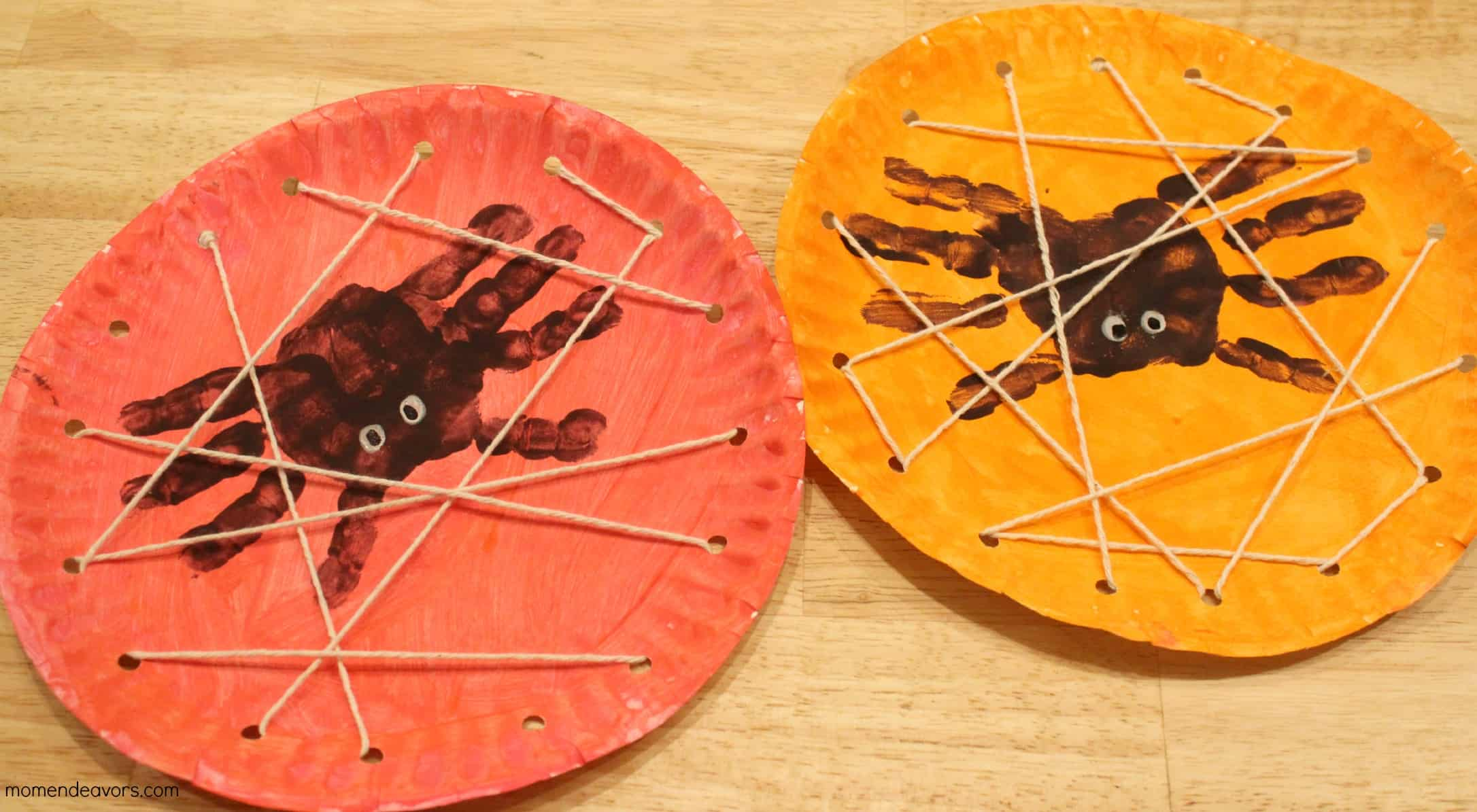 Paper plate handprint spiders