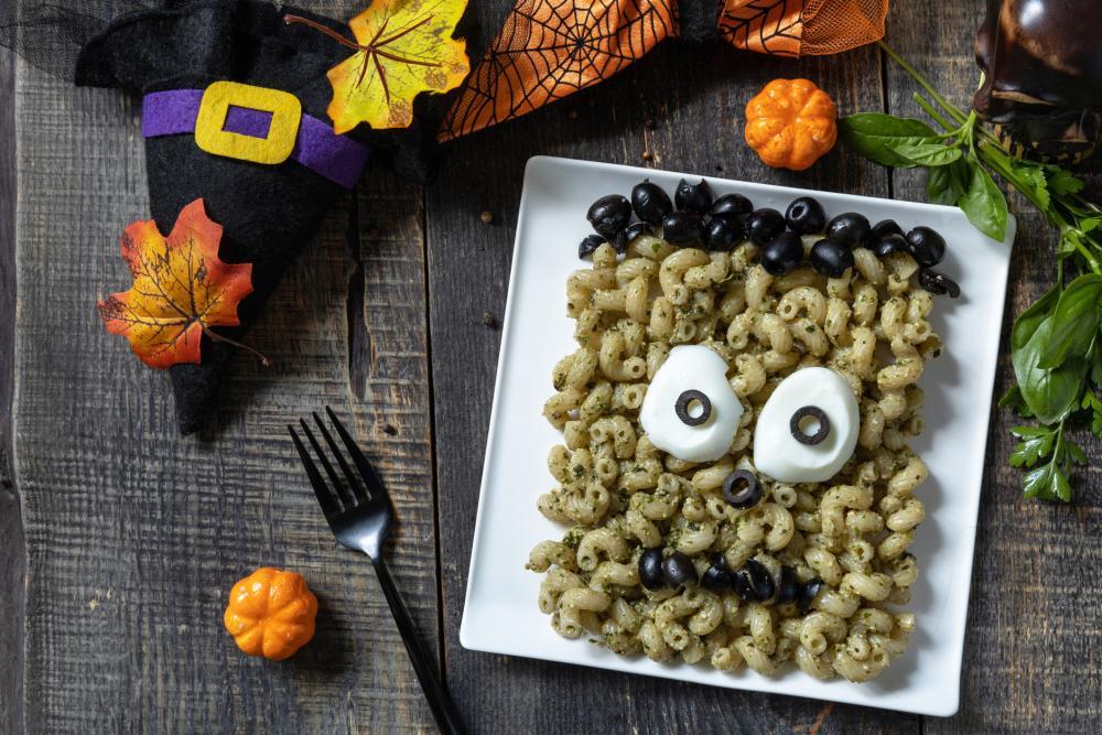 Pesto pasta monster halloween treats ideas