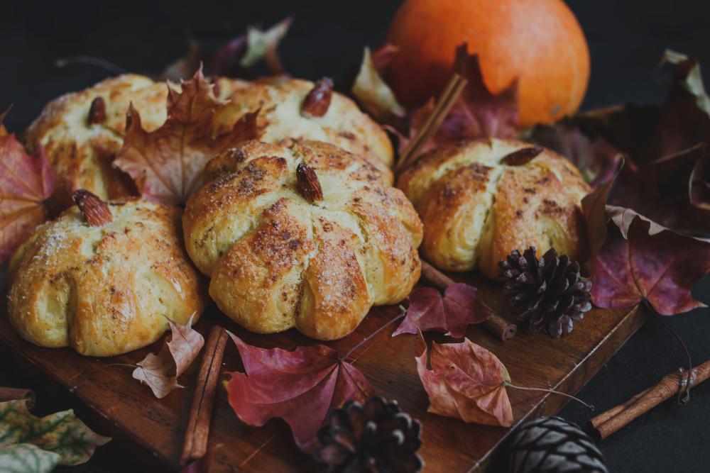 Pumpkin bun bread easy halloween treats