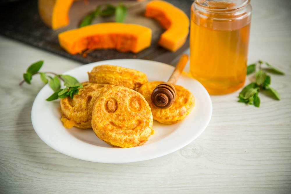 Pumpkin honey pancakes school party healthy halloween snacks
