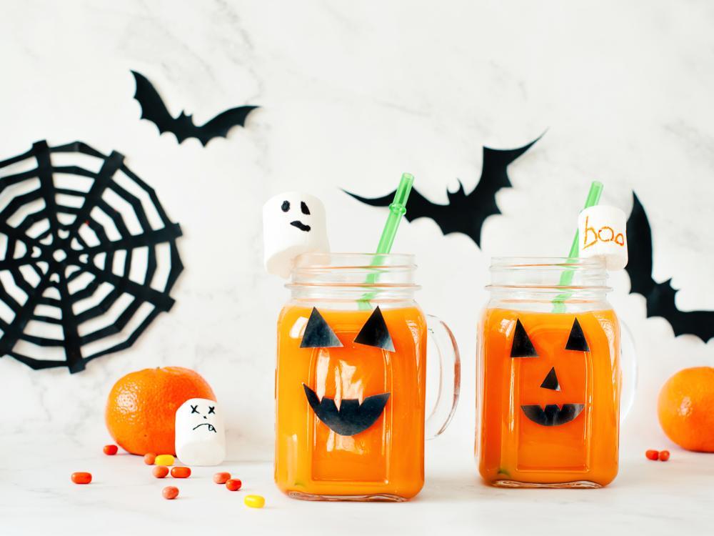 Pumpkin orange juice healthy halloween treats for kids