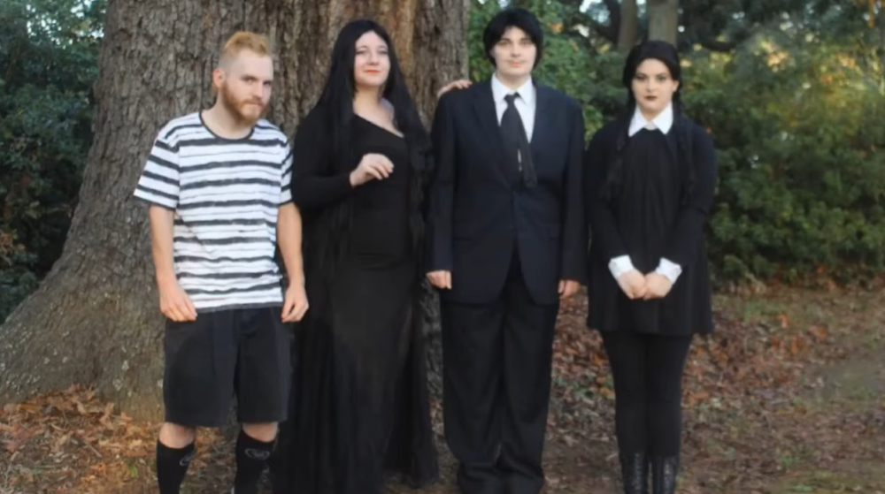Scary group halloween costumes the addams family