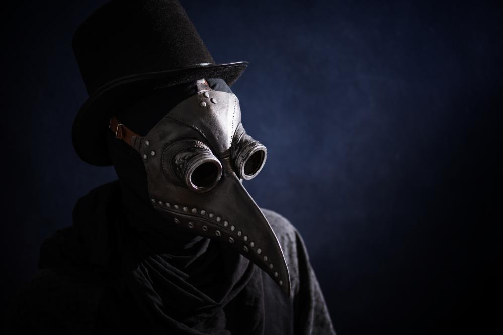 Scary halloween costumes for men plague doctor