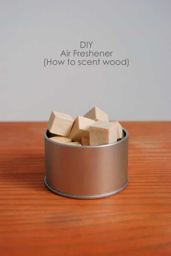 Scented wooden cubes air freshener