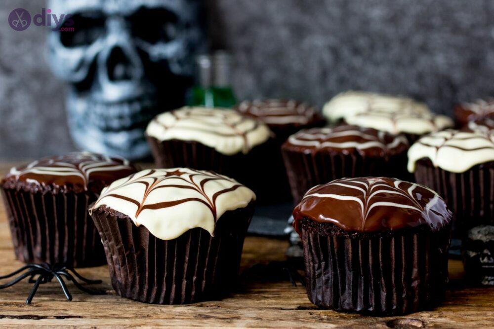 Delicious Spider Web Halloween Cupcakes
