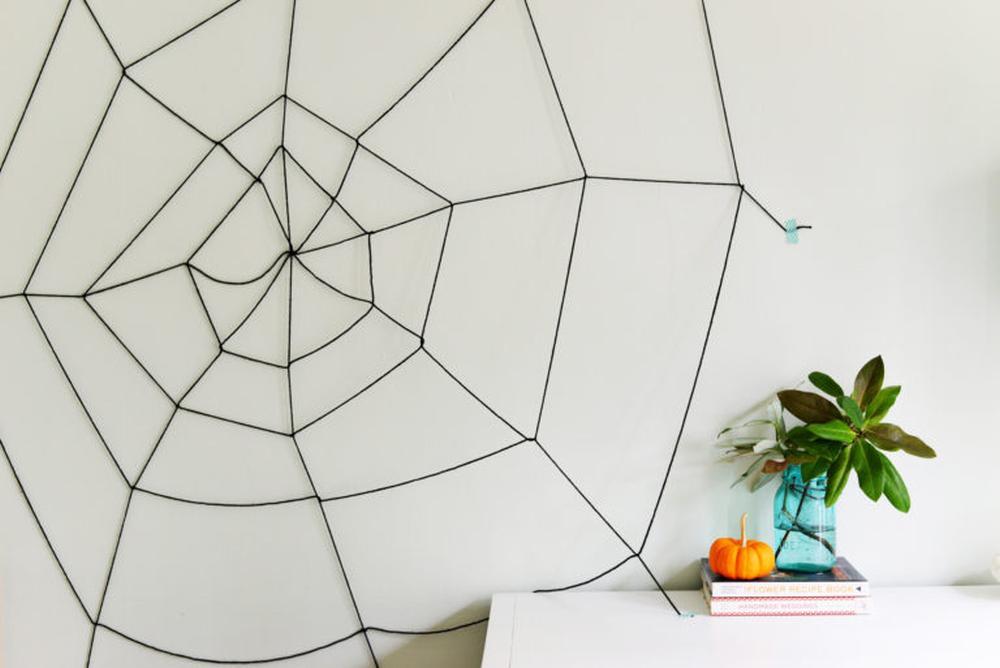 Spiderweb easy halloween crafts for kids