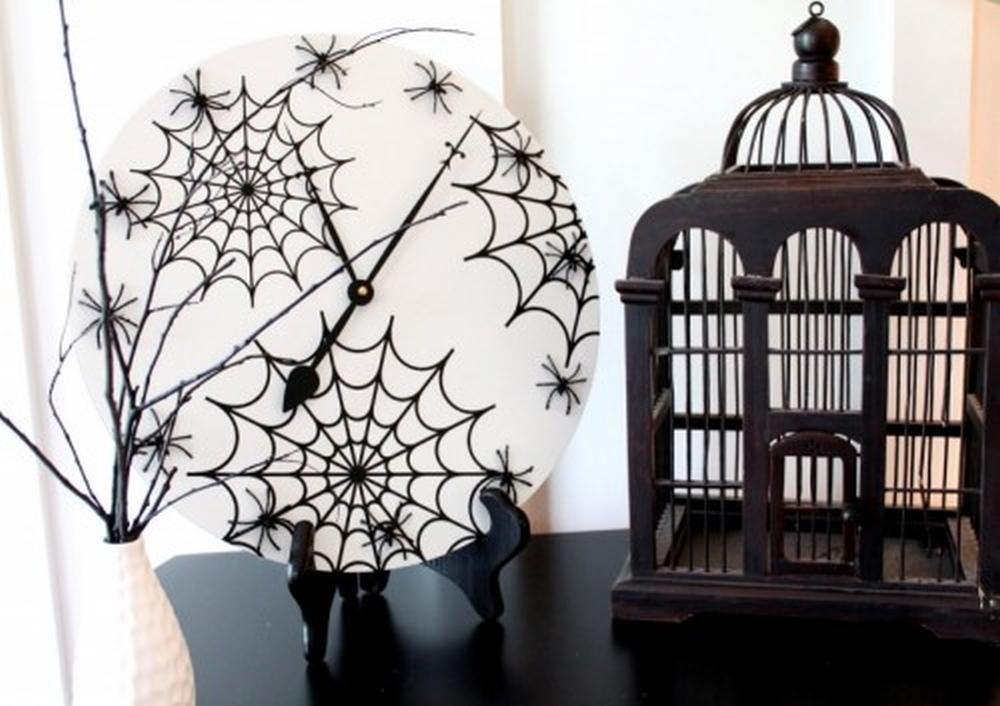 Spiderweb wall clock halloween crafts