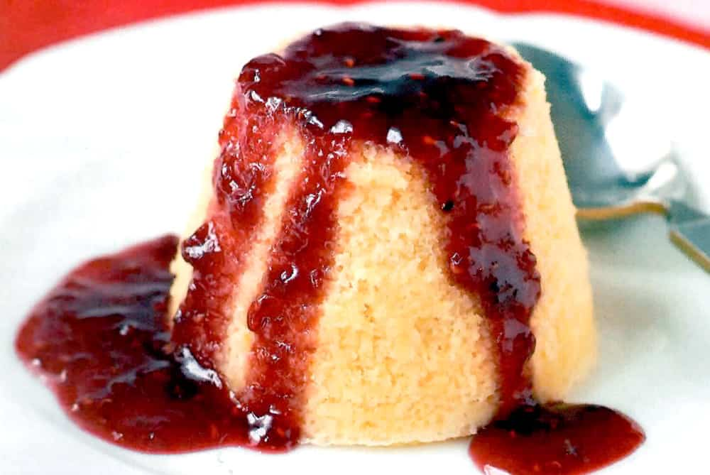 Strawberry sponge pudding