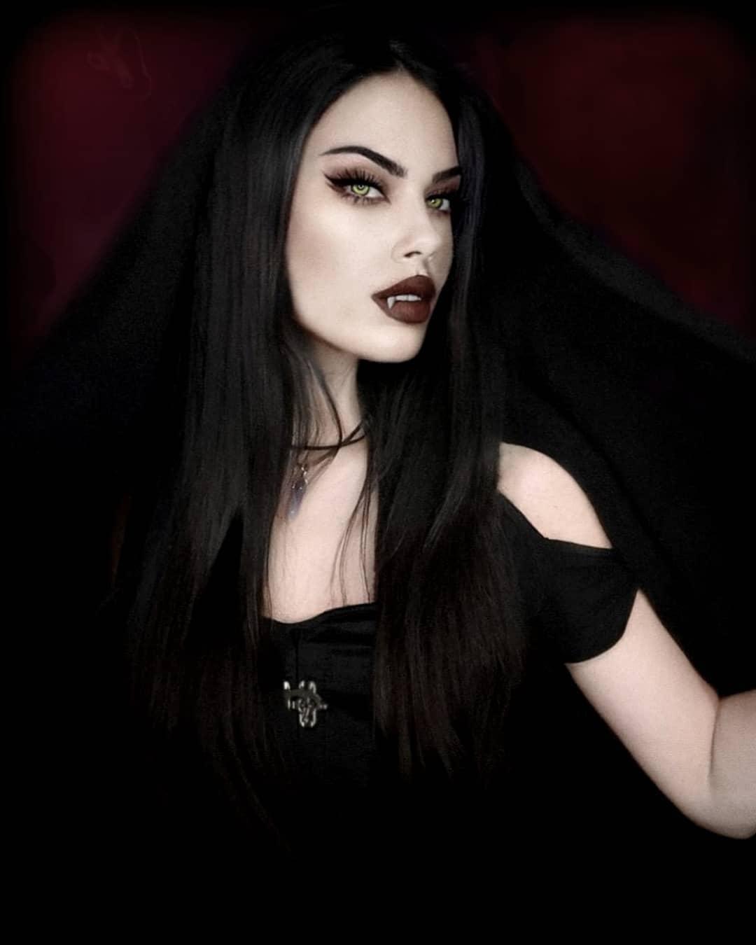 Vampire costume makeup gothic vampire