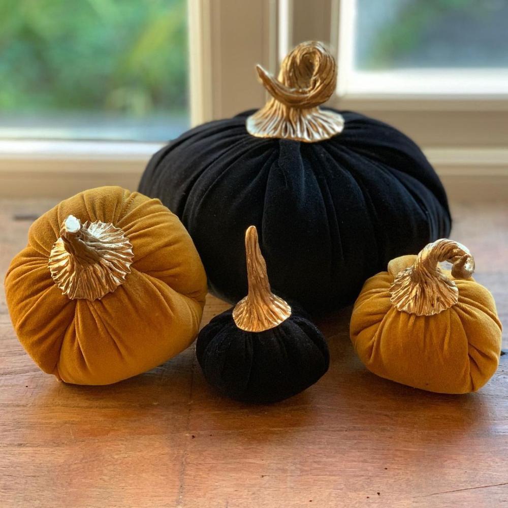 Velvet halloween pumpkin