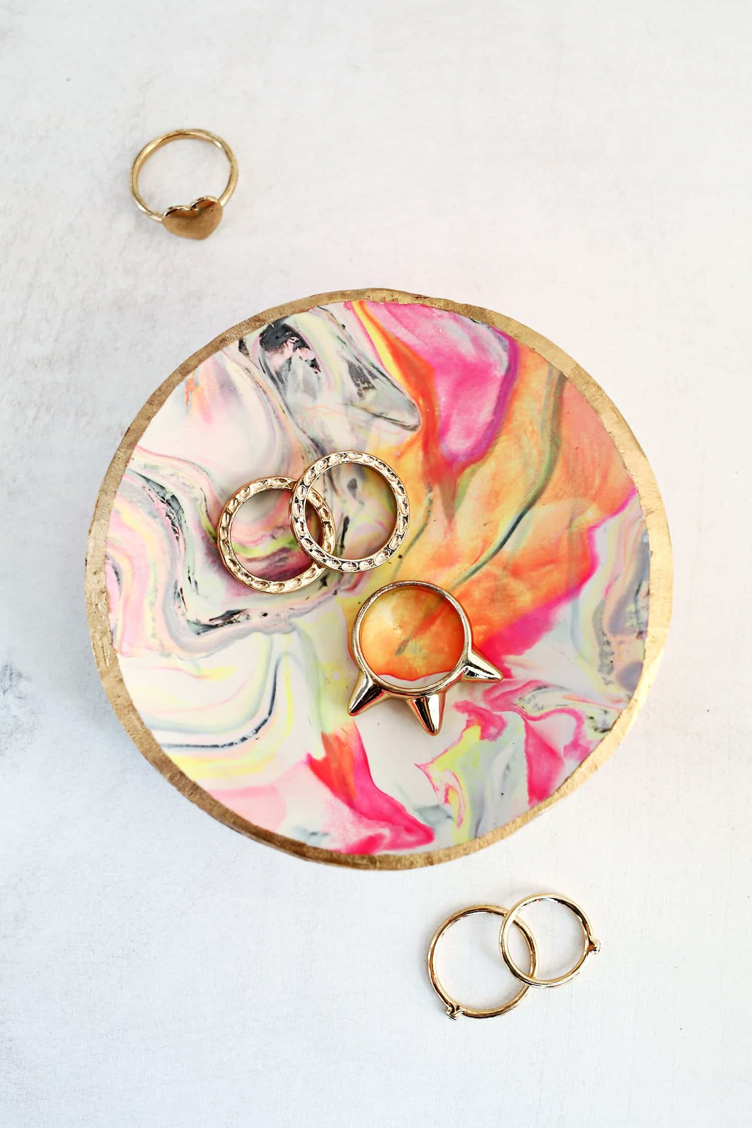 Diy marbled ring dish