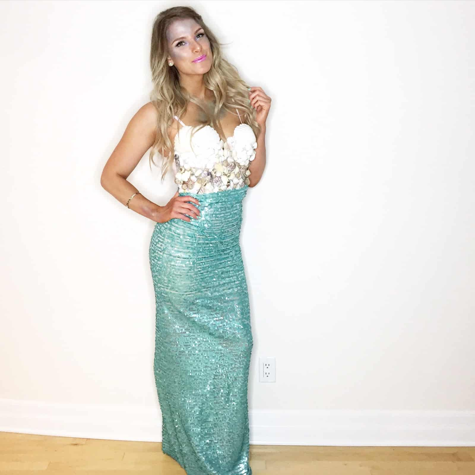 15 super creative halloween costumes you can diy diy mermaid costume solutioingenieria Gallery