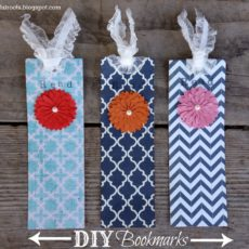 Bookmarks with layered flowers