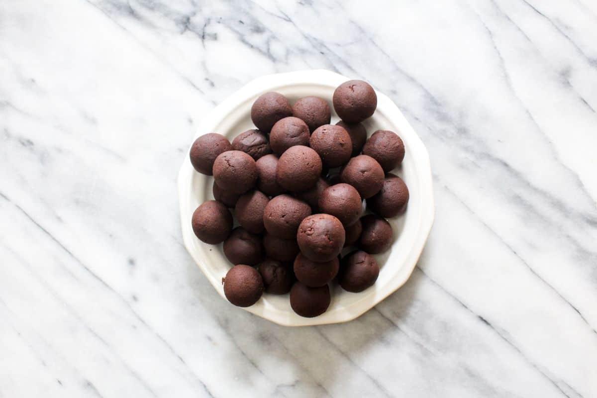 Chocolate truffles rolled
