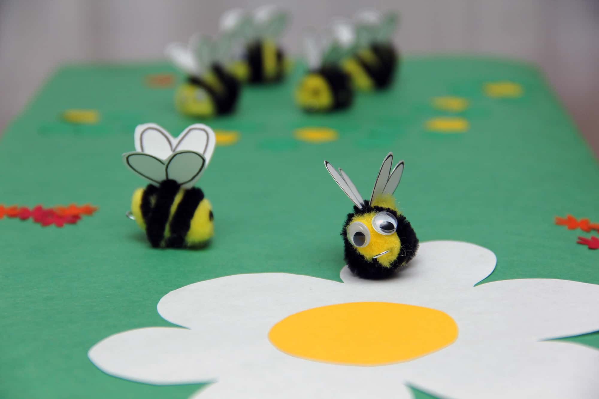 Chubby pom pom and pipecleaner bees