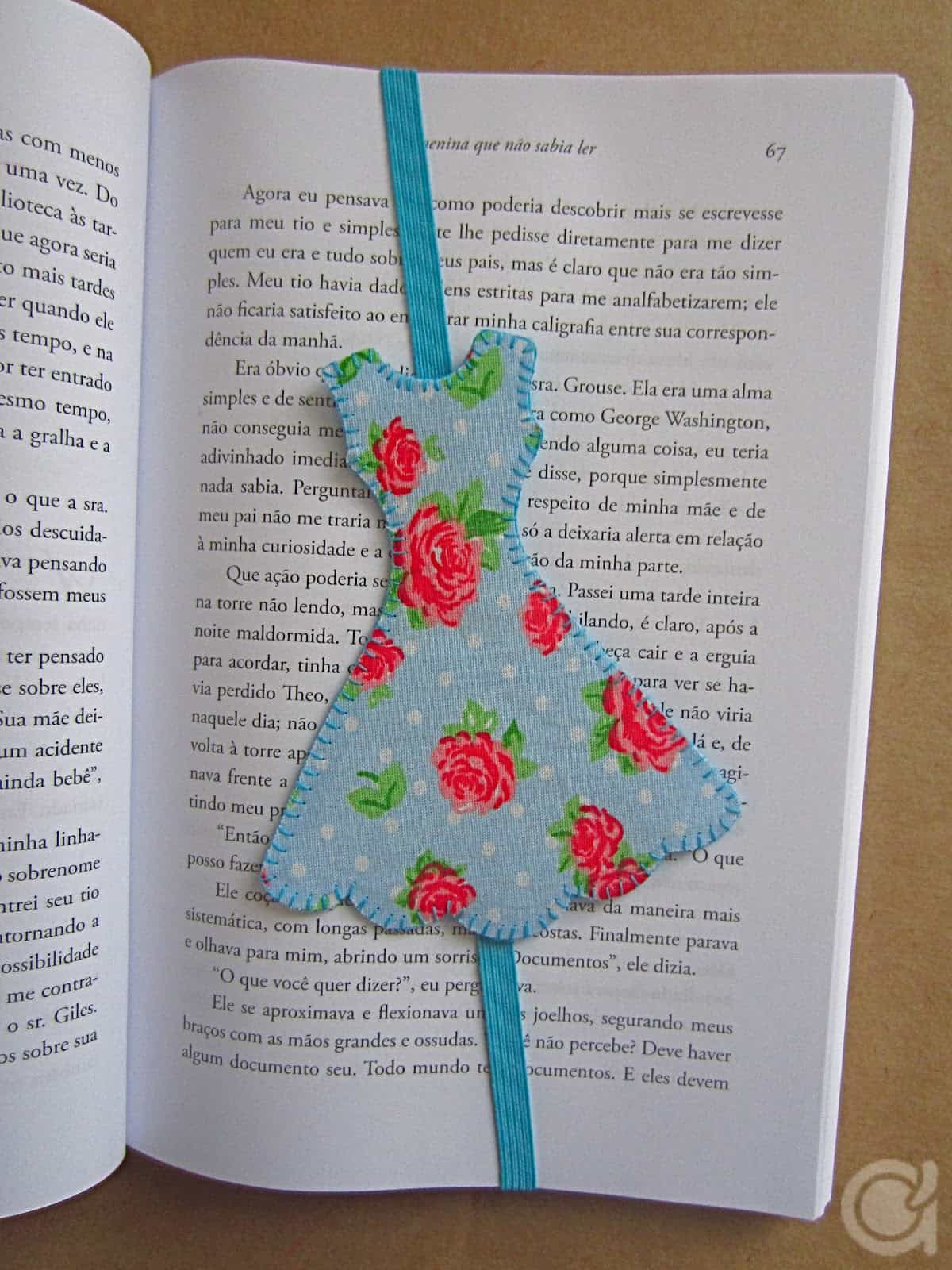 Dress shaped bookmark with elastic