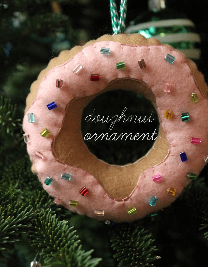 15 diy felt christmas ornaments to make with the kids feltdoughnutornament solutioingenieria Choice Image