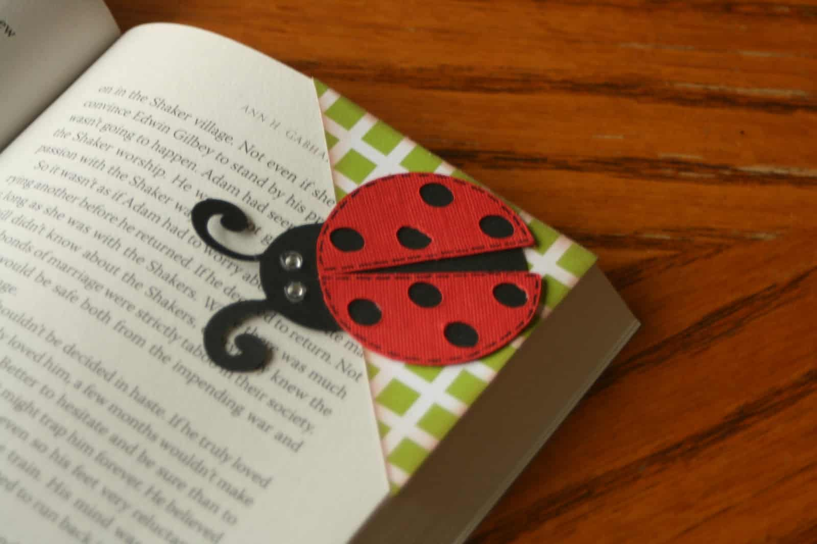 ladybug corner bookmark diy bookmarks 2301
