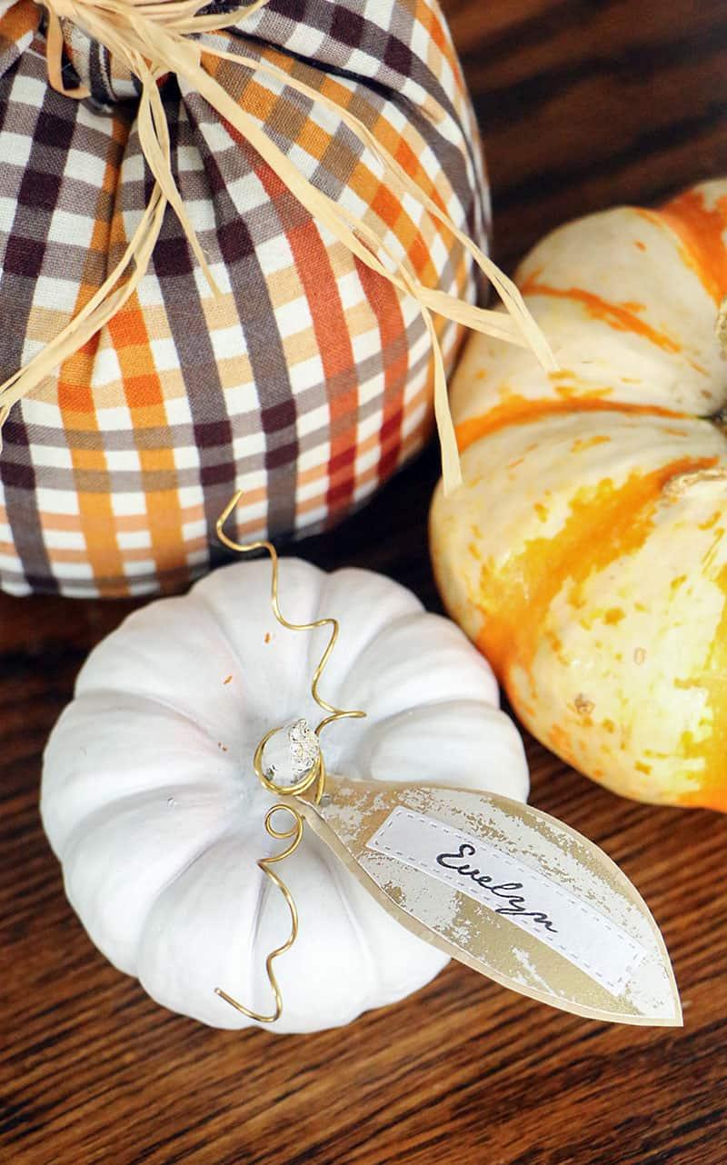 Mini diy pumpkin placecards top