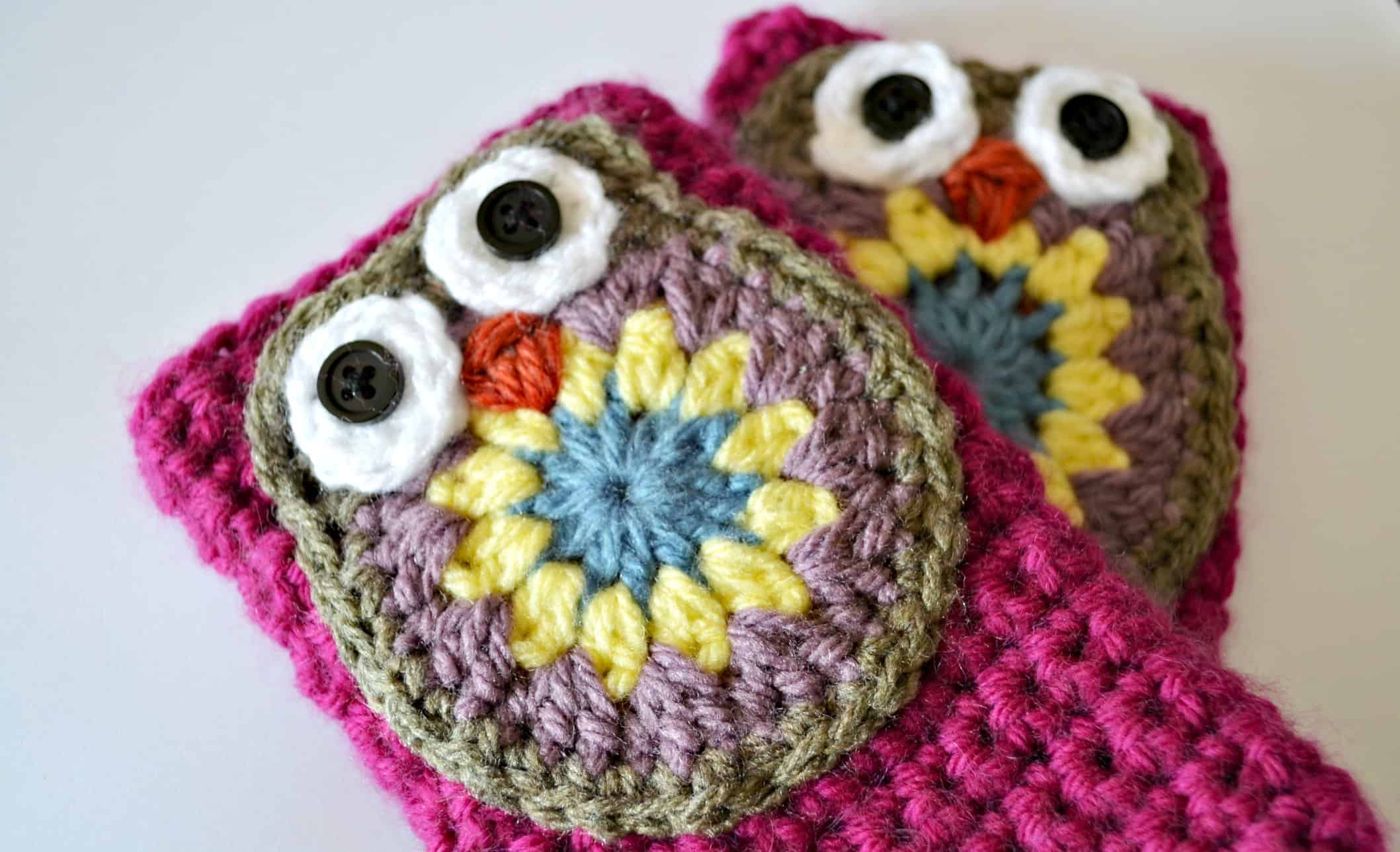 Owl mittens with button eyes