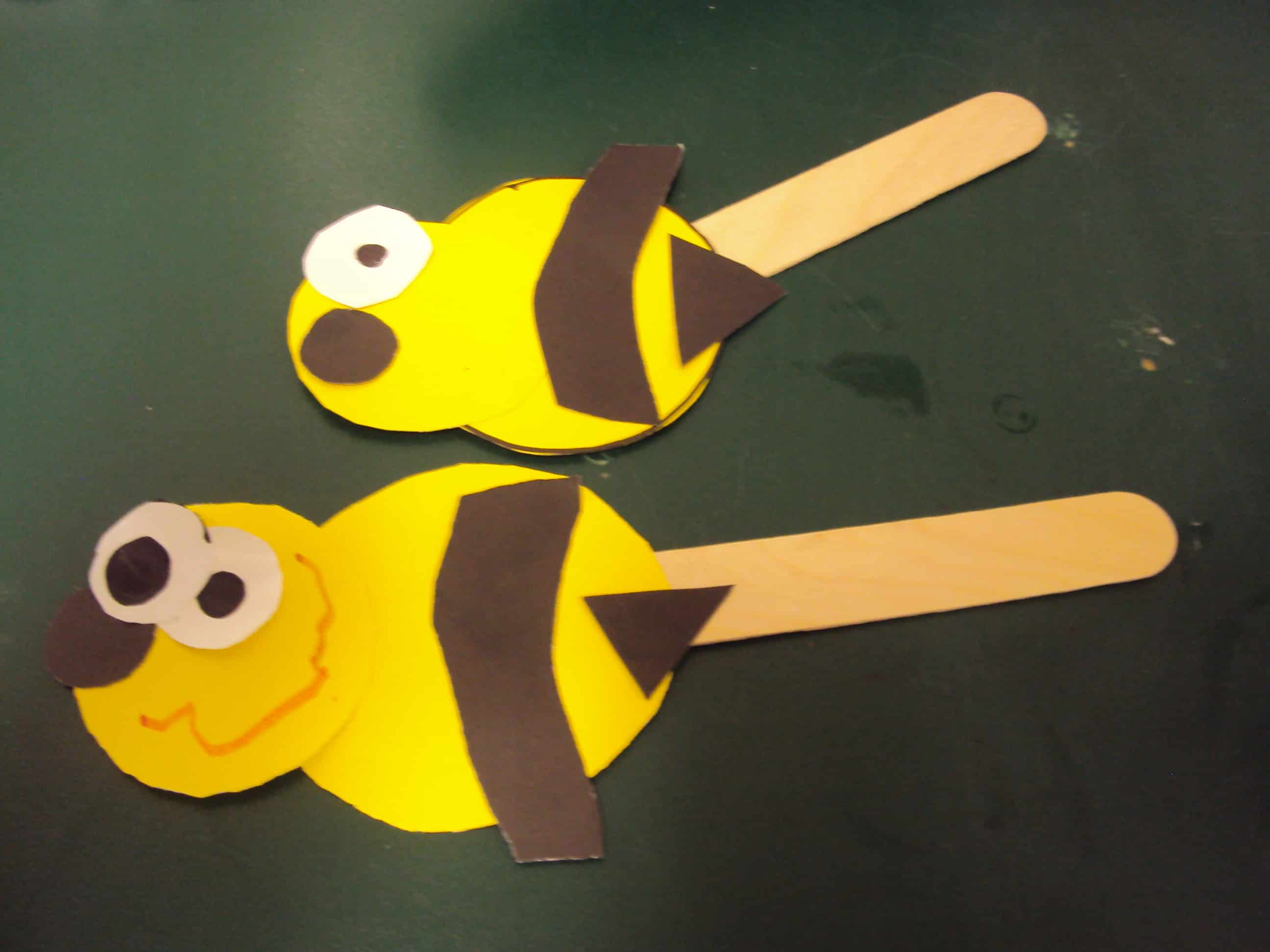 Popsicle stick bumblebee puppets