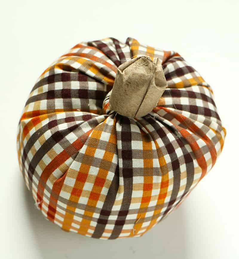 Simple diy fabric pumpkins sterm