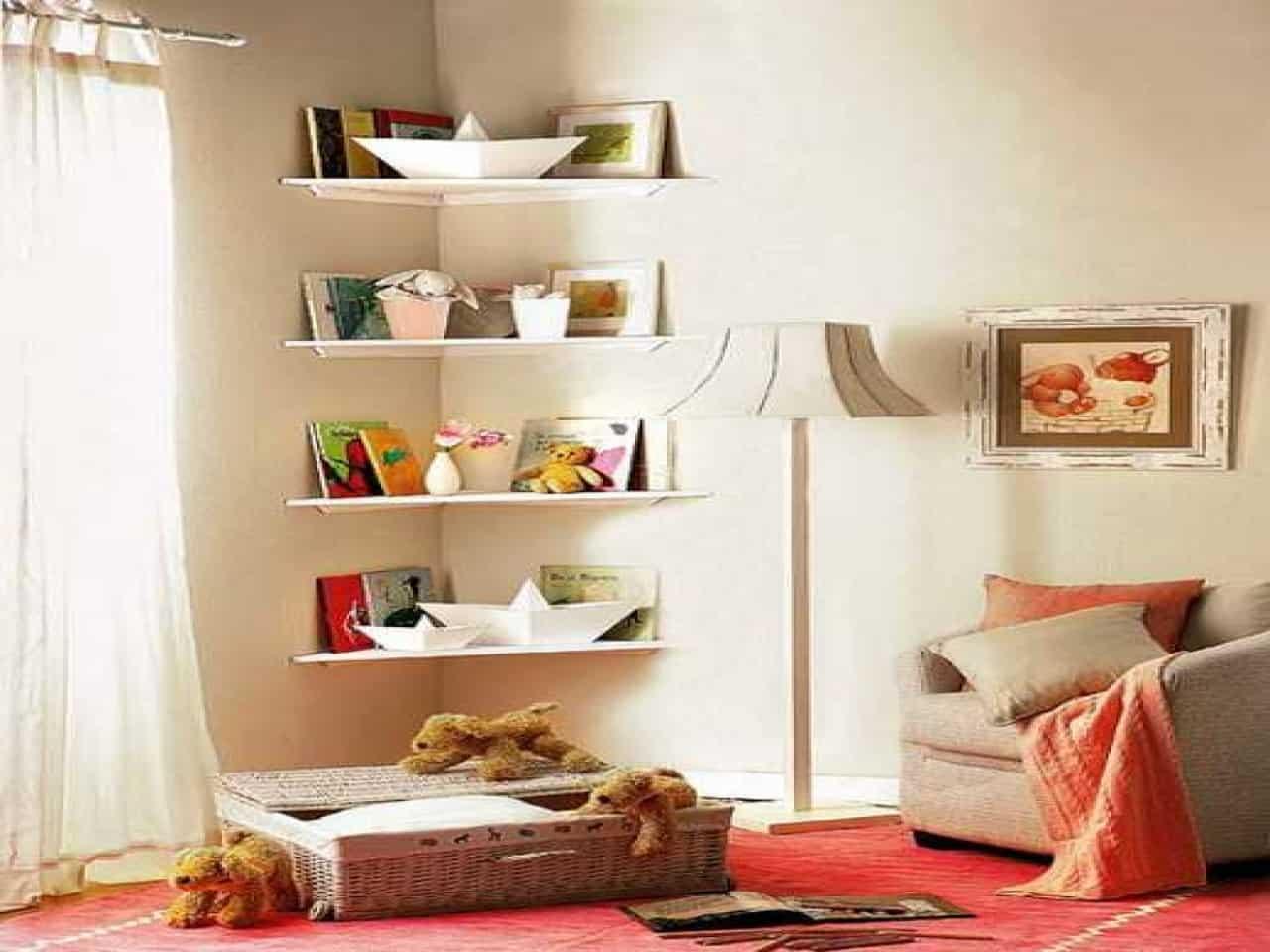 Space efficient corner shelves