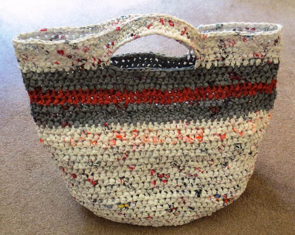 Striped plarn hand bag