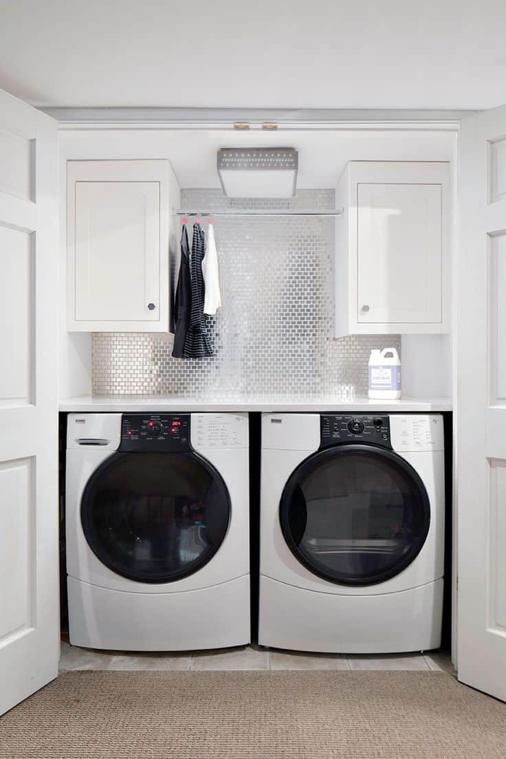 15 diy ways to transform your small laundry room 11 add a hanging rod solutioingenieria Choice Image