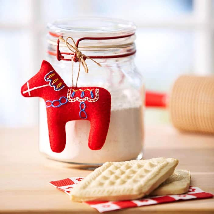 Diy dala horse felt ornament