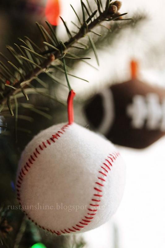 diy felt baseball ornaments - Baseball Christmas Ornaments