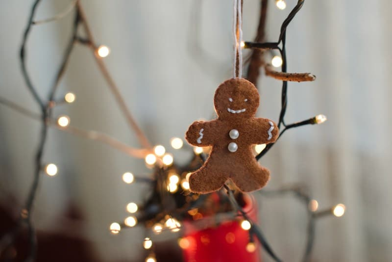 Diy felt gingerbread ornament