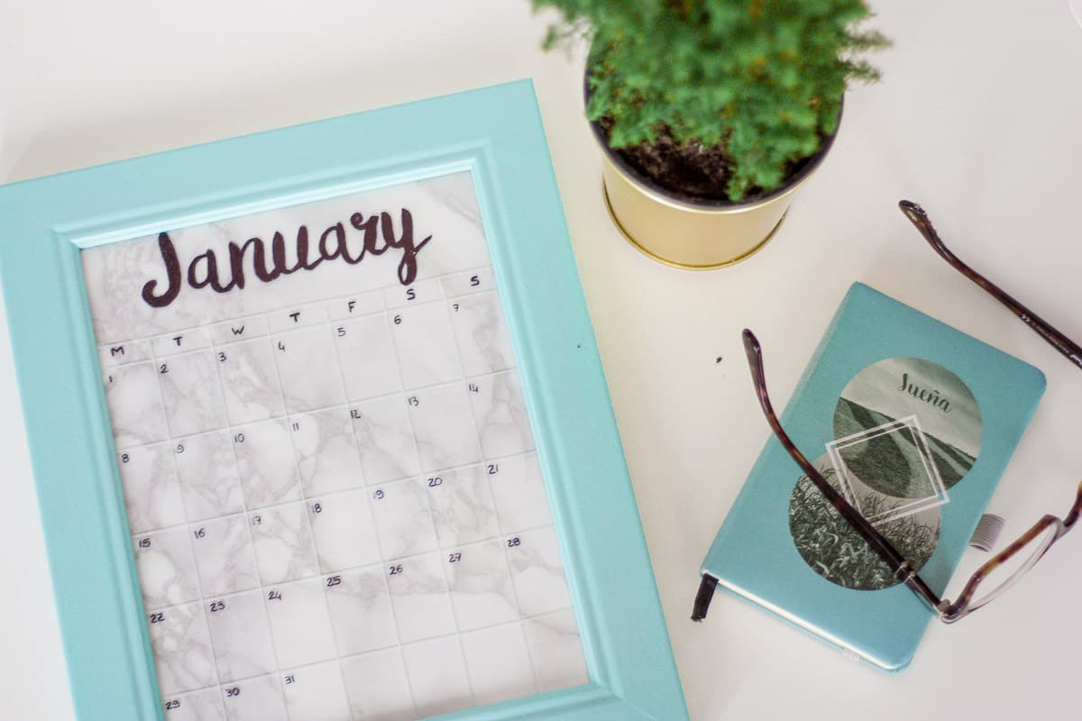 Diy frame calendar set4