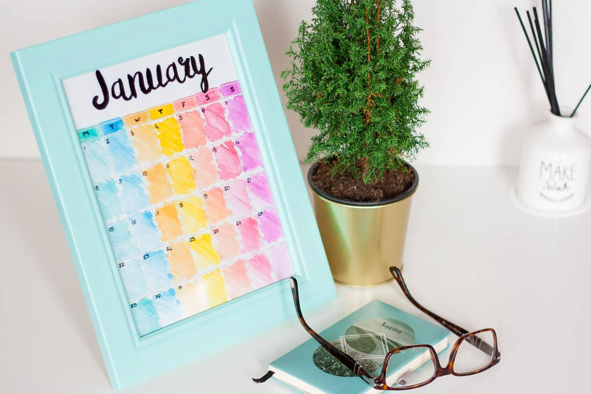 Diy Calendar Frame : Diy frame calendar with changeable backgrounds