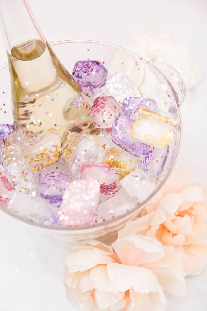 Diy glitter ice cubes