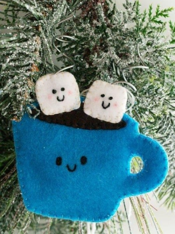 Diy hot cocoa felt ornament