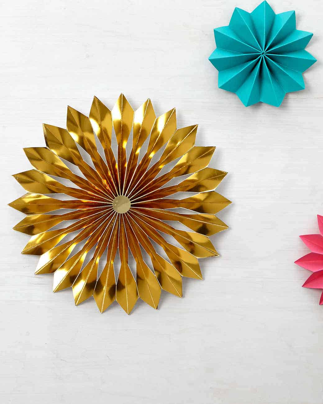 Diy large rosette tree topper