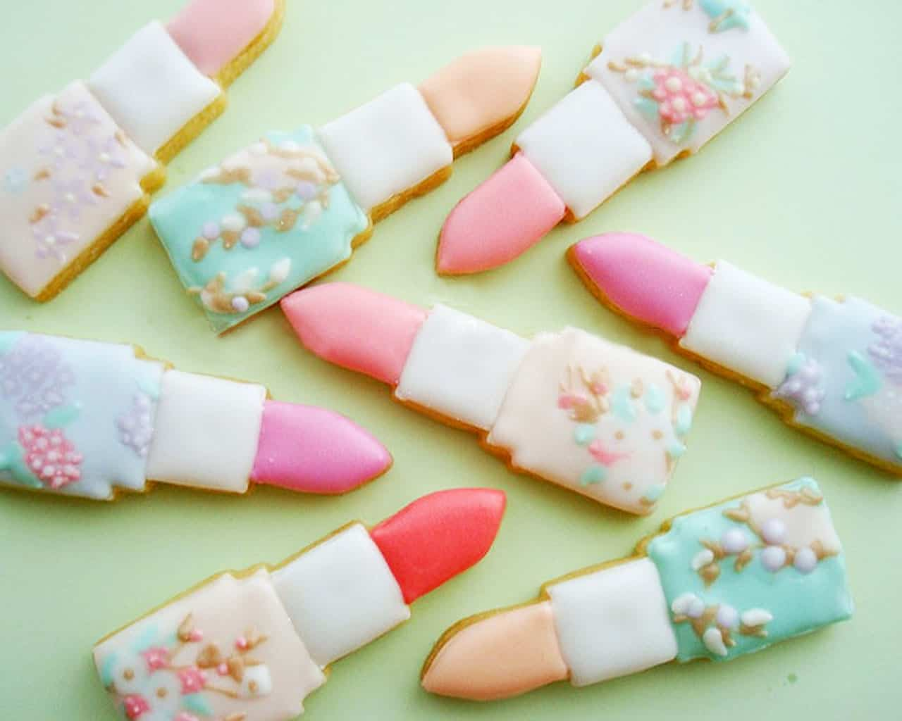 Lipstick cookies for bridal shower