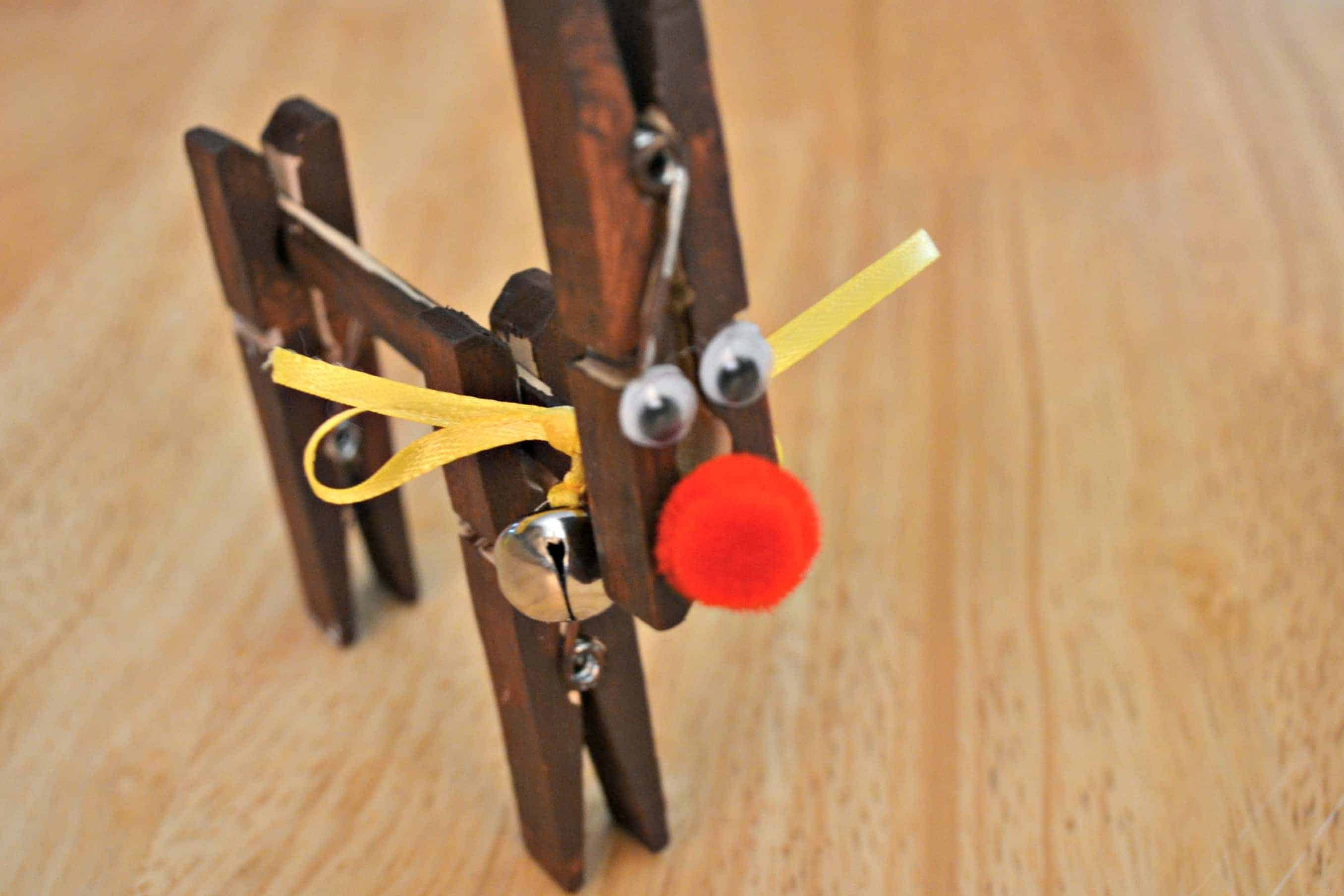 Clothes pin reindeer