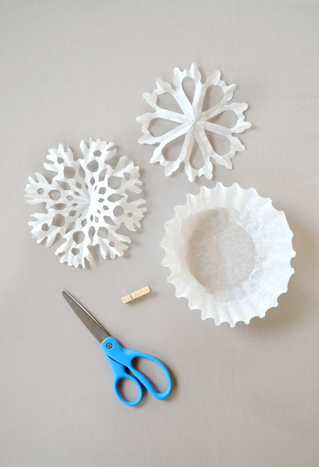 15 Awesome DIY Snowflake Crafts