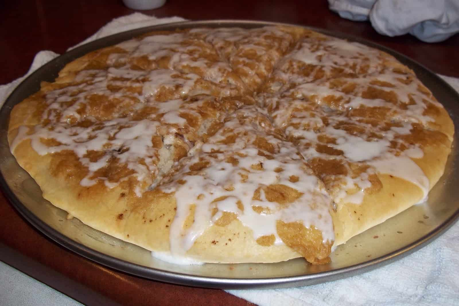 Glazed vanilla and cinnamon dessert pizza