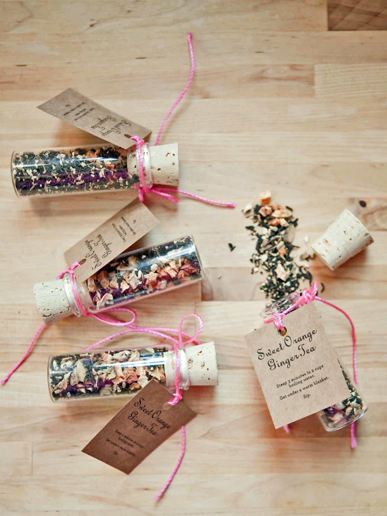Holiday tea tube party favours
