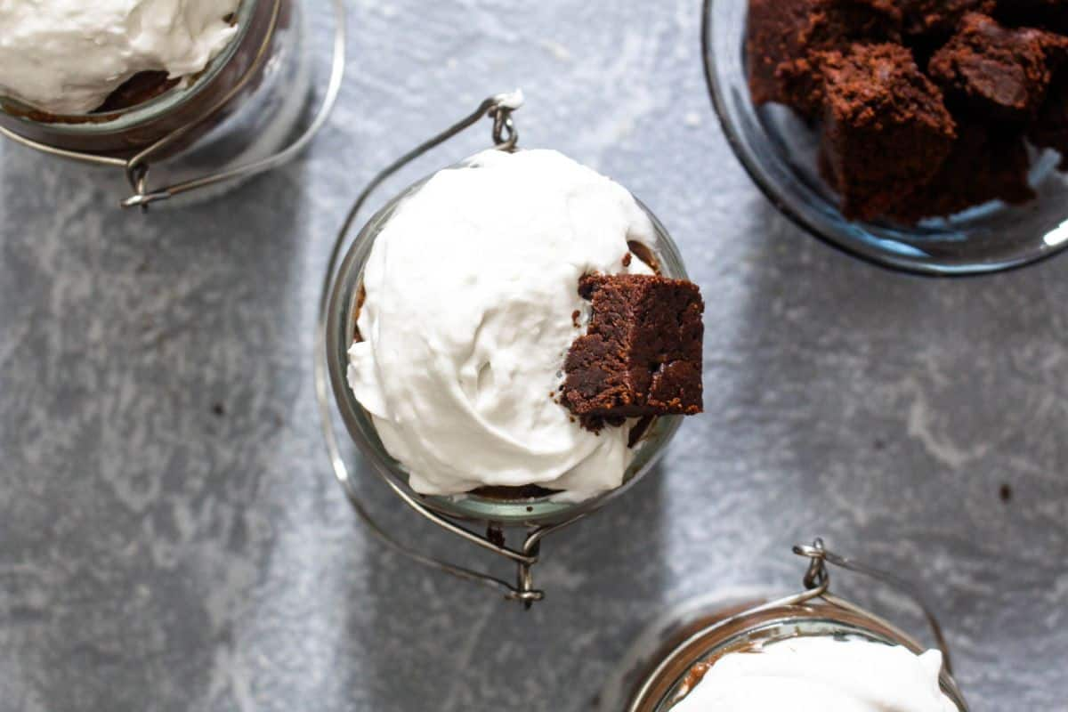 Hot chocolate trifle recipe
