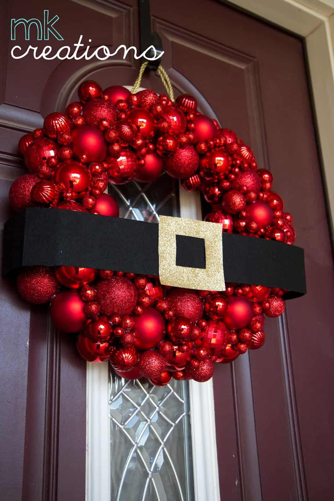 Santa belt and ornaments wreath